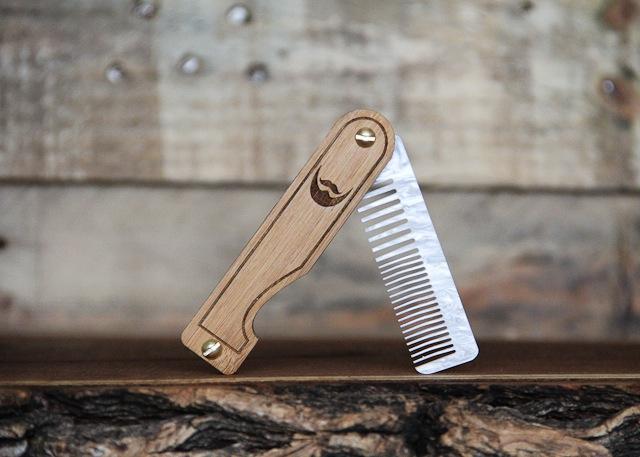 Folding Beard Comb 1